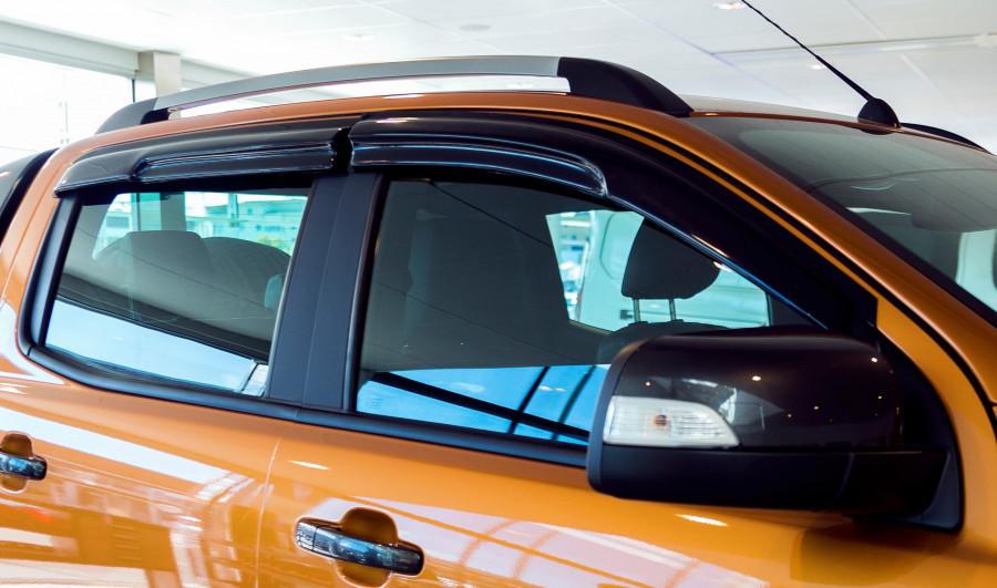 Bonnet and side window deflectors