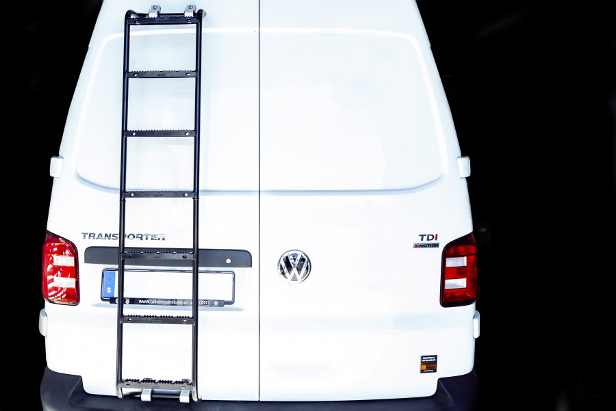 Ladders made of stainless steel or aluminium