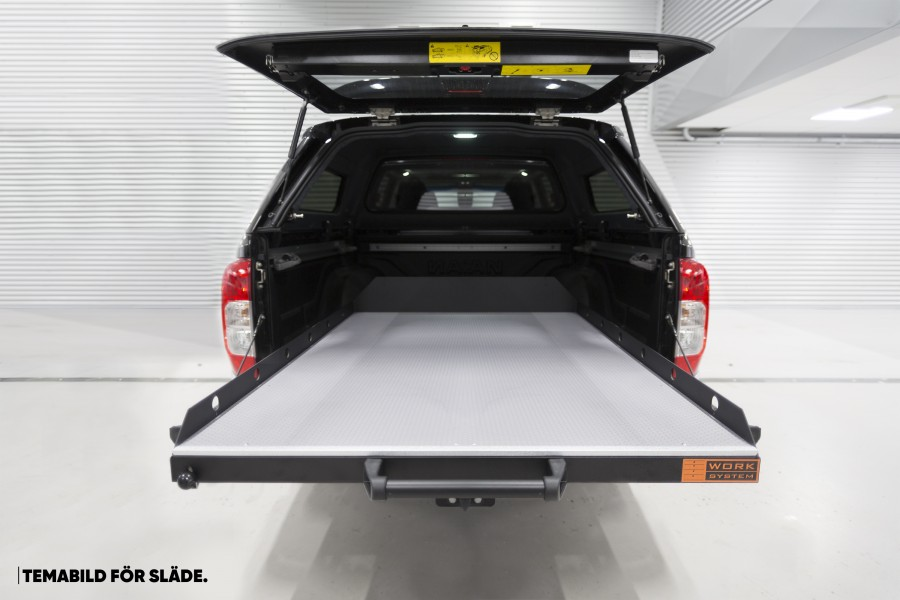 Retractable cargo sledge for the Mitsubishi L200